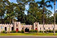 Macadamia Castle Knockrow